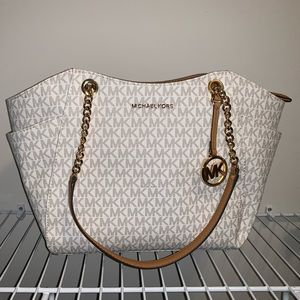NWT Michael Kors Jetset Large Chain Shoulder Tote